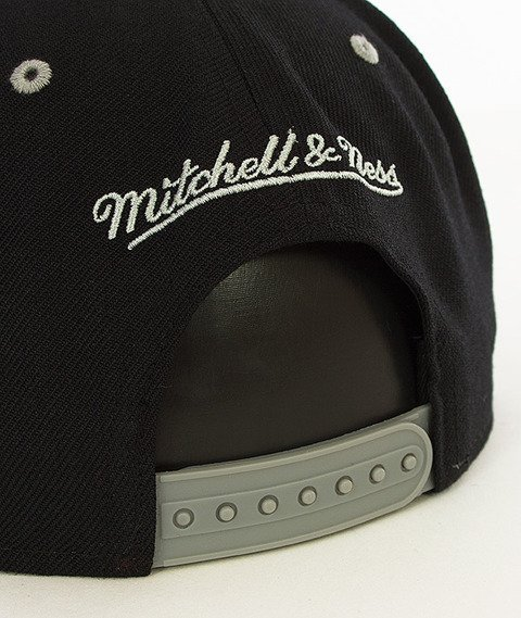 Mitchell & Ness-2 Tone Team Brooklyn Nets Snapback NA80Z