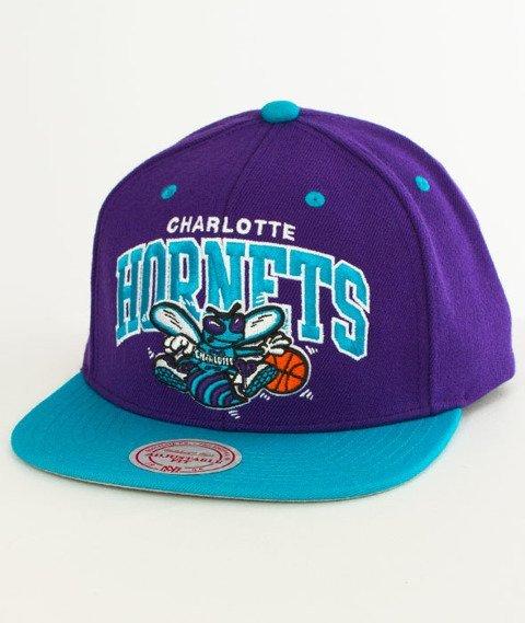 Mitchell & Ness-Charlotte Hornets Team Arch SB Czapka EU1129