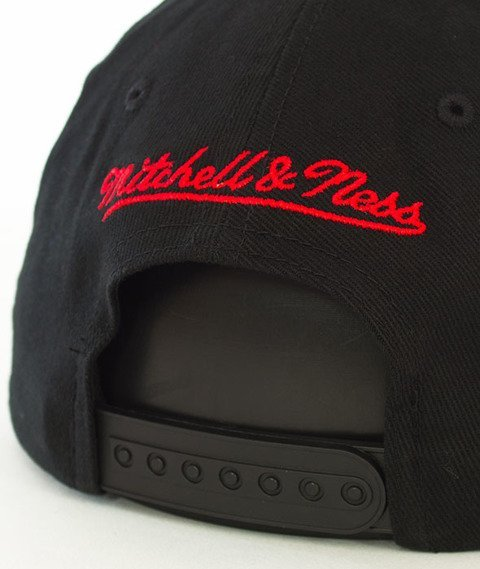 Mitchell & Ness-Chicago Bulls NBA Team Logo Low Pro INTL228