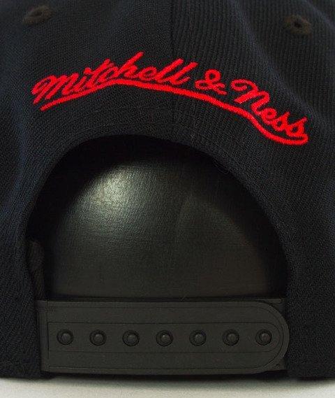 Mitchell & Ness-Chicago Bulls Solid Team Colour Snapback NL99Z Czarny