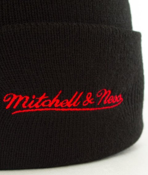 Mitchell & Ness-Chicago Bulls Team Logo Cuff Knit Czapka Zimowa Czarna