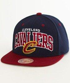 Mitchell & Ness-Cleveland Cavaliers Team Arch SB Czapka EU1129